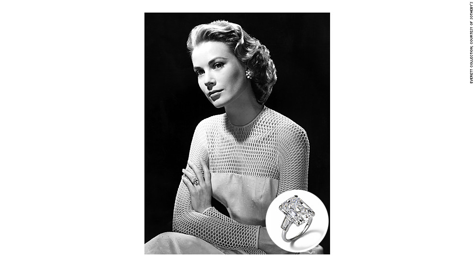 Prince Rainier III of Monaco proposed to legendary Hollywood beauty Grace Kelly with a 10.5-carat square-cut diamond ring in 1955.