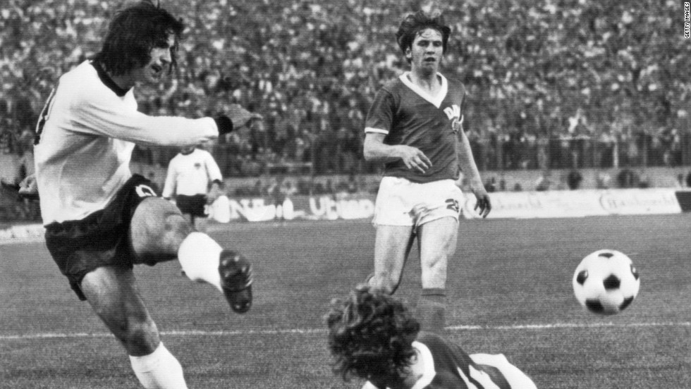 That feat was surpassed in 1972 by Muller, who scored 85 goals as West Germany won the European Championship and his club Bayern Munich lifted the Bundesliga title.