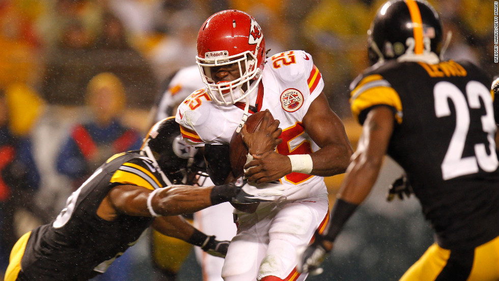 "Jamaal Charles of the Kansas City Chiefs scores a 12-yard rushing touchdown in the first quarter against the Pittsburgh Steelers on Monday, November 12, at Heinz Field in Pittsburgh. Check out the action from Week 10 of the NFL, or <a href=""http://www.cnn.com/2012/11/04/football/gallery/nfl-week-9/index.html"">look back at the best from Week 9</a>."