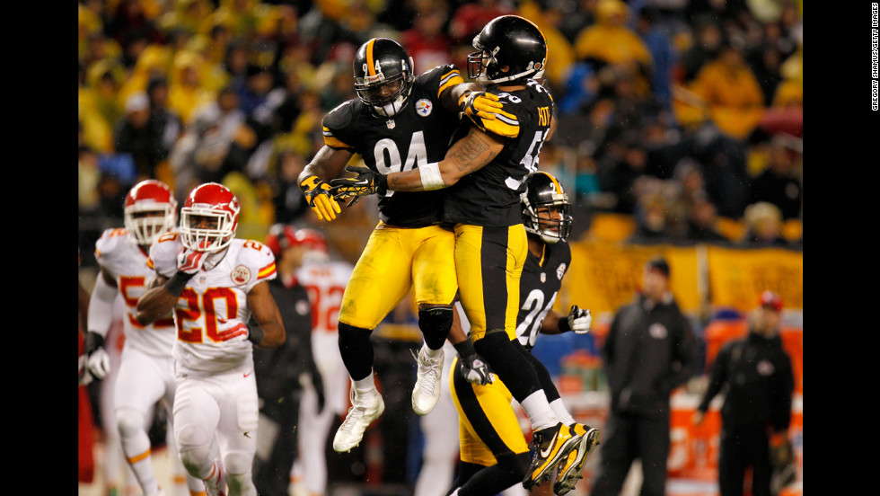 Lawrence Timmons, left, and Larry Foote of the Pittsburgh Steelers celebrate a play against the Kansas City Chiefs.