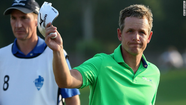 Luke Donald delighted the galleries with a superb seven-under-par 65 in Dubai.