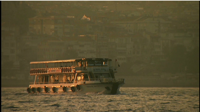 Istanbul's sea of commuters