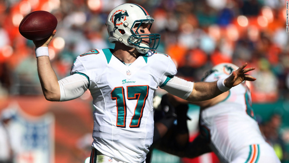 Quarterback Ryan Tannehill of the Dolphins throws against the Seahawks on Sunday.