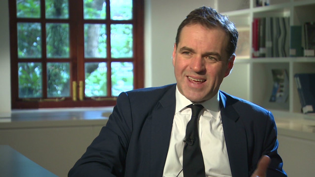 Niall Ferguson part 2_00011304