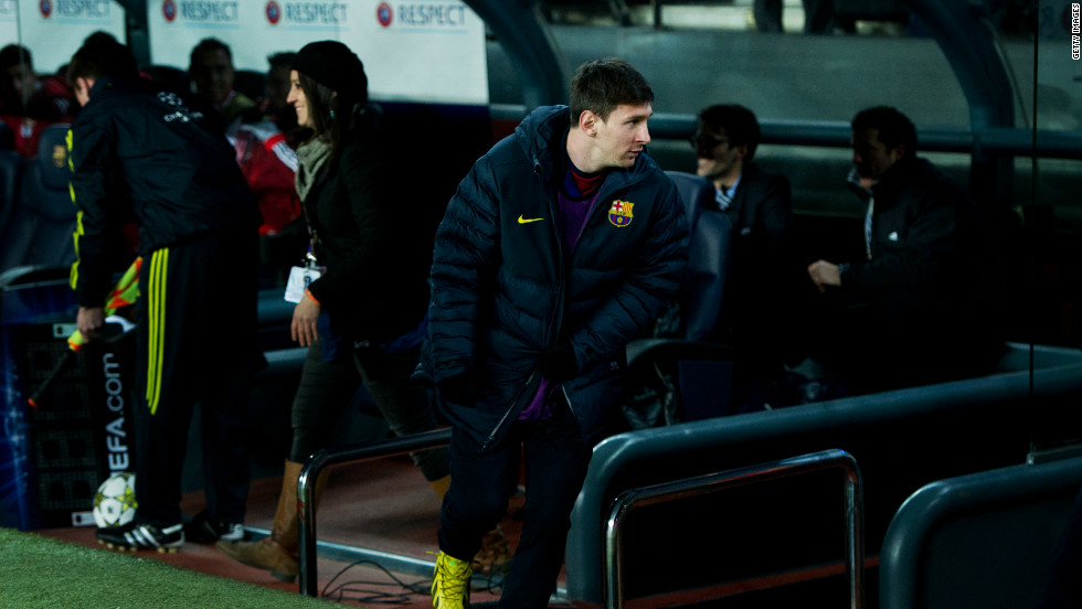 Leo Messi endured a miserable night after he was forced off with injury during Barcelona's 0-0 draw with Benfica. The striker, who started the night on the Barcelona bench with his side having already qualified for the next stage,  has scored 84 goals in 2012 and was hoping to break Gerd Muller's record of 86 goals in a calendar year which the former Bayern Munich and Germany forward set back in 1972.