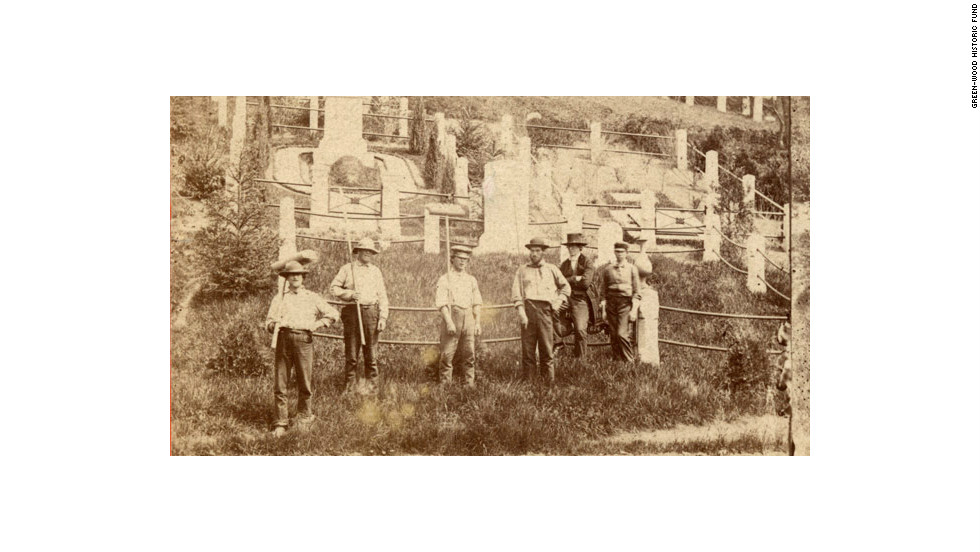 One of the United States' first rural cemeteries, Green-Wood was founded in 1838 and just a few short decades later attracted 500,000 visitors each year.