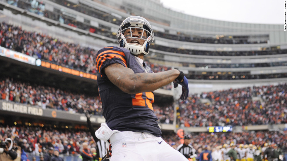Brandon Marshall of the Bears reacts after scoring a touchdown against the Packers on Sunday.
