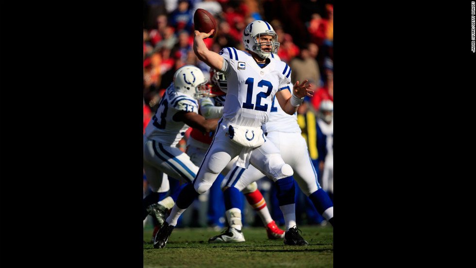 Quarterback Andrew Luck of the Colts passes against the Chiefs on Sunday.