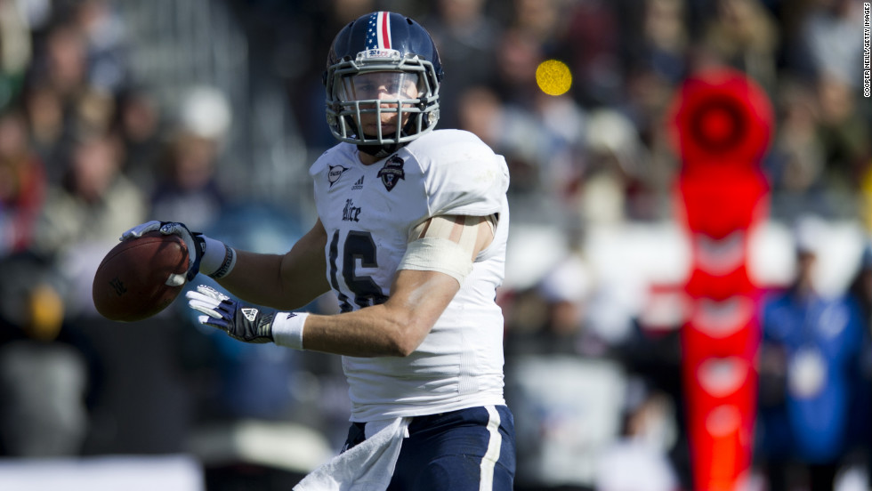Taylor McHargue of the Rice Owls throws a pass against the Air Force Falcons on December 29.