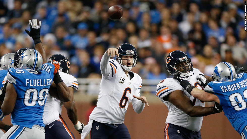 Jay Cutler of the Chicago Bears throws a pass while playing the Detroit Lions on Sunday.