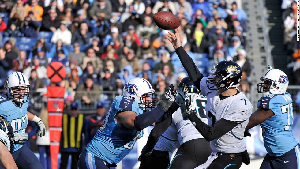 Chad Henne of the Jacksonville Jaguars throws the ball on Sunday.