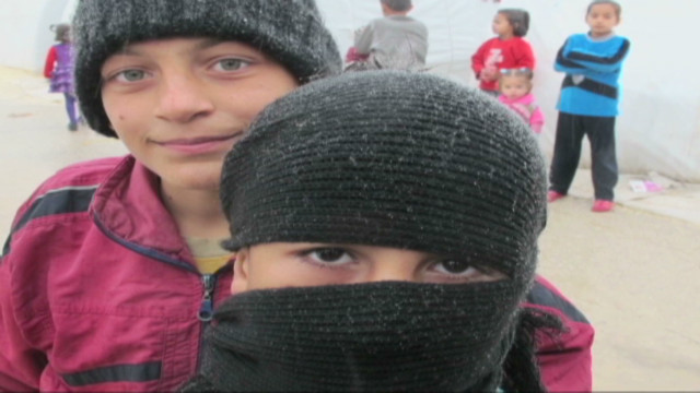cnnee syria refugees freezing temps_00011916