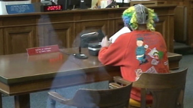 vo clown scolded by judge in court _00005301.jpg