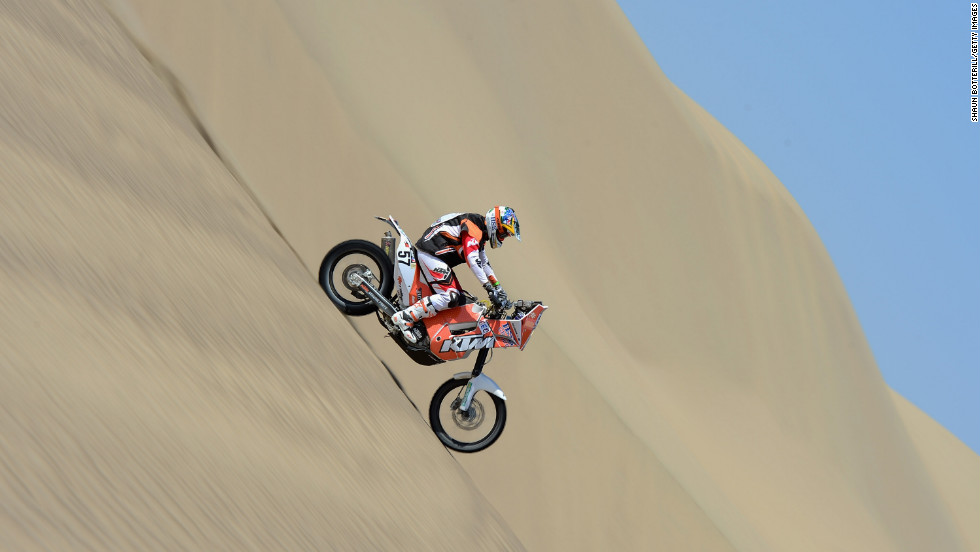 Australia's Ben Grabham cruises down a sand dune on January 6.