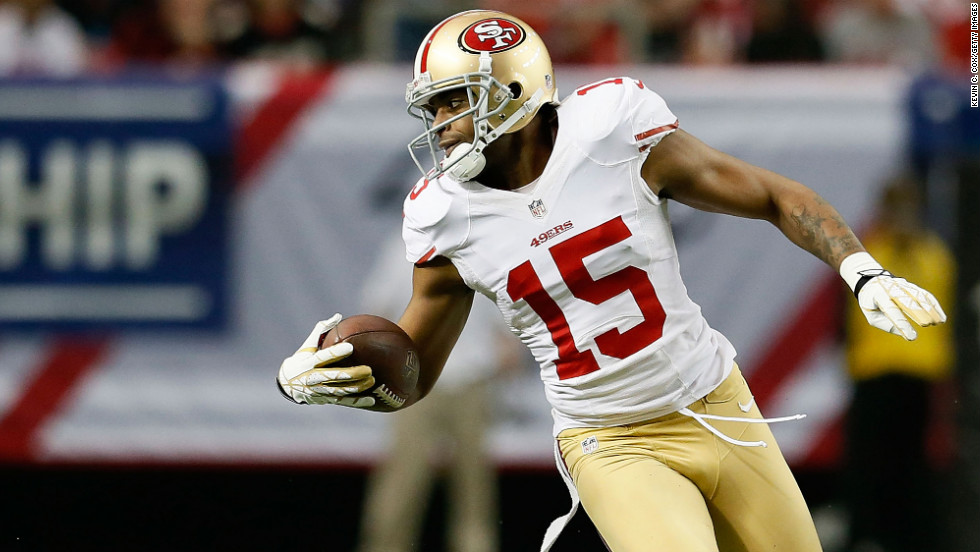 Michael Crabtree of the 49ers makes a catch in the first half against the Falcons.