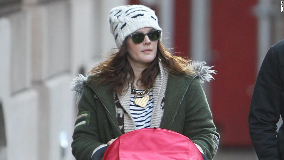 Drew Barrymore runs errands in NYC.