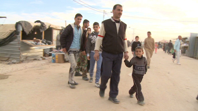 Thousands of Syrians stream into Jordan