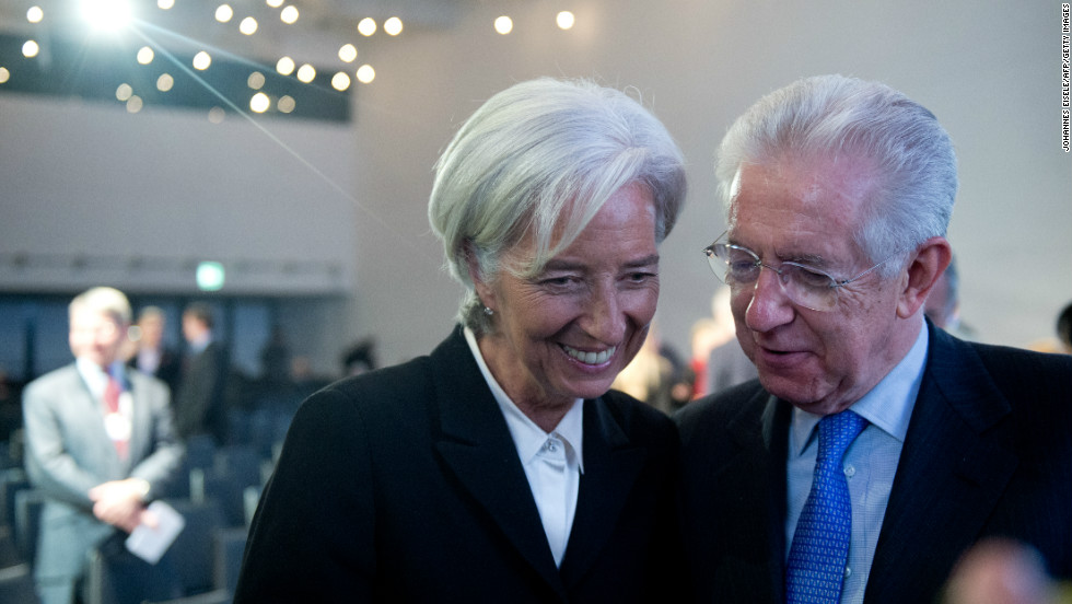 IMF boss Christine Lagarde and Italy's outgoing Prime Minister Mario Monti having a presumably good chat during the forum.