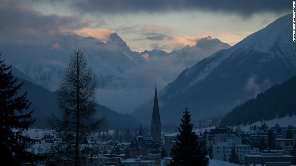 The Swiss resort of Davos first hosted the World Economic Forum back in 1971 when a group of European business leaders met under the partronage of the European Commission and European industrial associations.