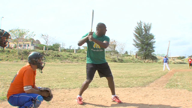 Baseball defector returns to Cuba