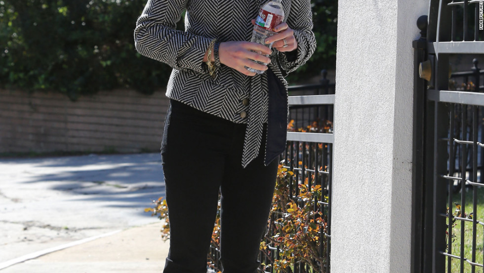 Katherine Heigl leaves her home in Los Feliz.