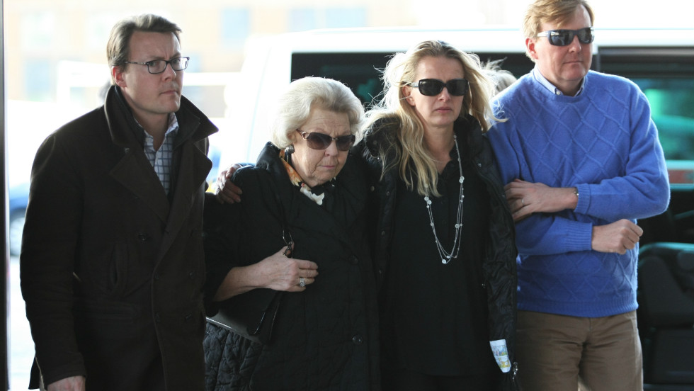 Beatrix walks with Prince Johan Friso's wife Princess Mabel as they arrive on February 24, 2012, at the University Hospital in Innsbruck, to visit Prince Johan Friso, who was seriously injured in an avalanche while skiing.