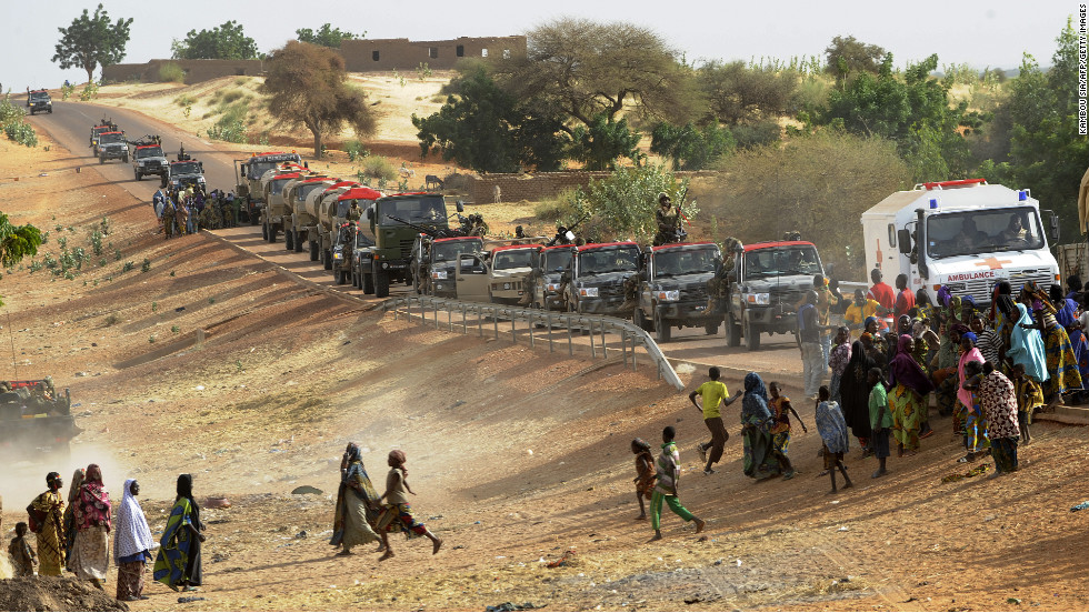 Niger troops enter Ansongo on January 29.