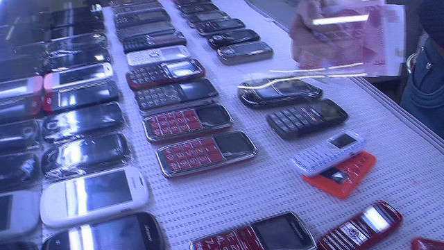 Locals dominate China smartphone market