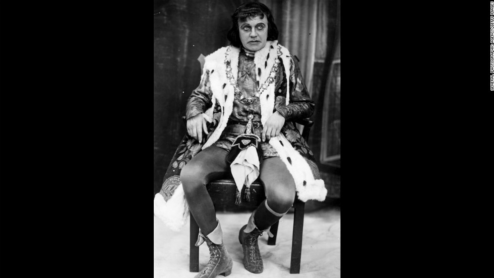 George Hayes as Richard III during a Shakespeare Festival at Stratford-Upon-Avon, circa 1925.