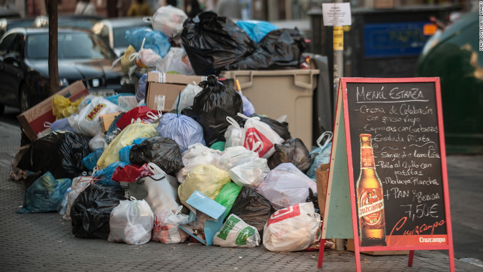 Garbage piles up on the streets of Seville on Tuesday, February 5.