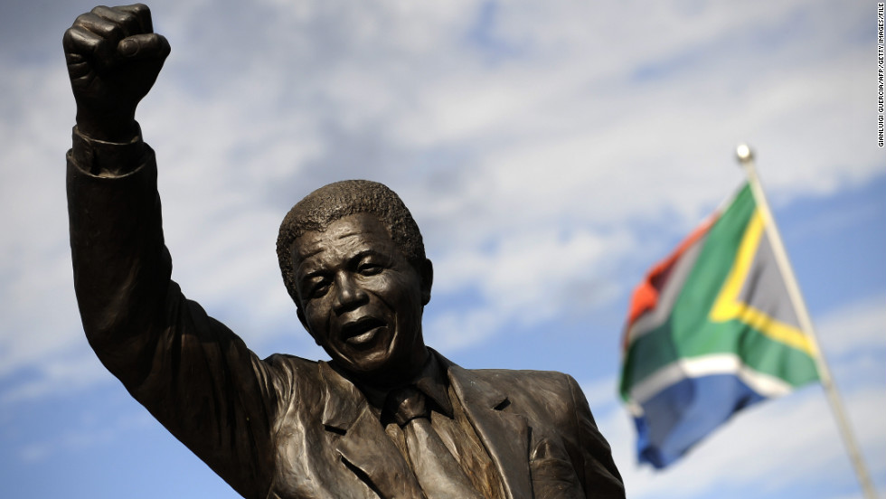 Mandela spent the last period of his incarceration at Groot Drakenstein prison in Paarl. A statue depicting him as he walked to freedom in 1990 stands outside.