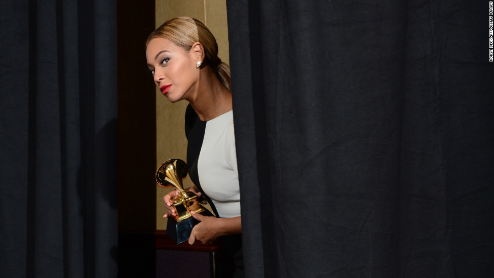 "Beyonce to herself upon entering the press room: ""I should go out there and sing live right now. Because I can."""