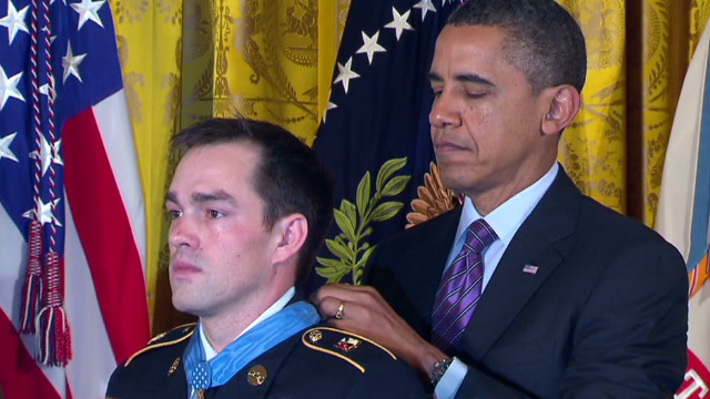 Obama honors soldier's heroics