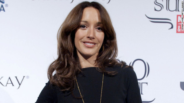 Actress Jennifer Beals denies that she did anything wrong by leaving her dog in the car.