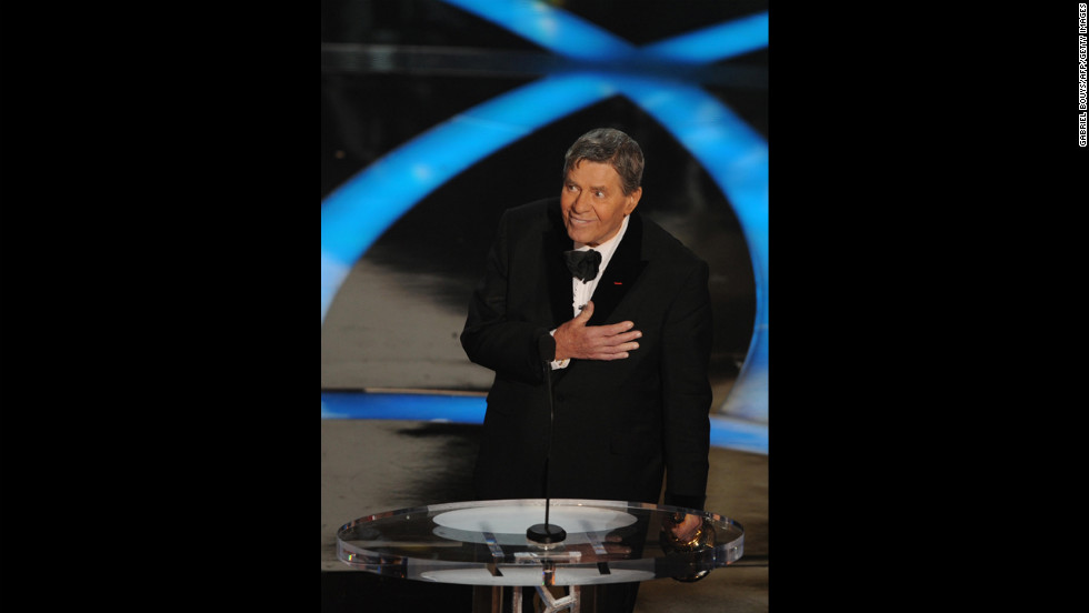 "Three-time host Jerry Lewis had to resort to improvisation when he hosted the 1959 Academy Awards alongside Bob Hope, David Niven, Sir Laurence Olivier, Tony Randall and Mort Sahl. <a href=""http://www.youtube.com/watch?v=VE9XmZDIjXg"" target=""_blank"">The show ended early</a>, leaving Lewis to fill 20 minutes of airtime by bringing stars on stage and making them dance."