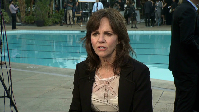 Sally Field Oscars Luncheon_00000908.jpg