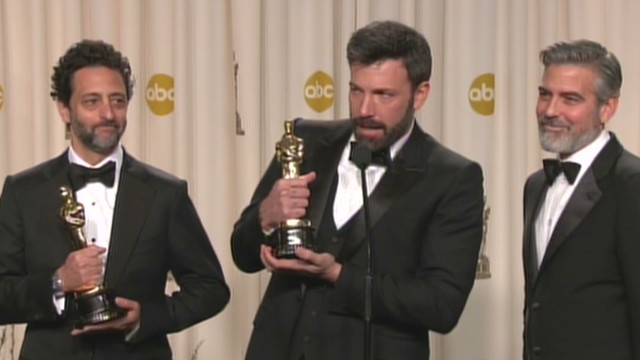 oscar youtube affleck clooney heslop backstage_00064020.jpg