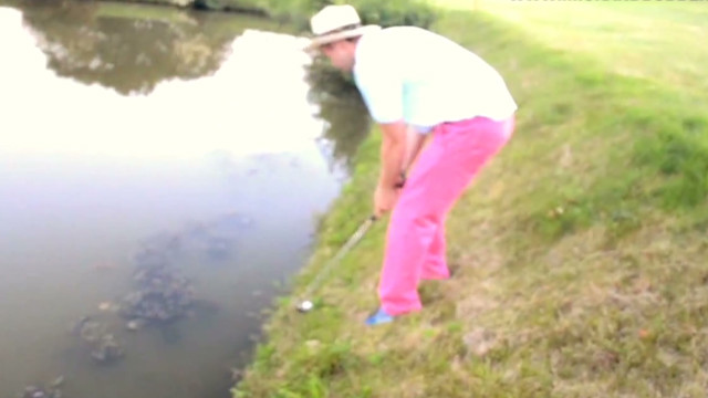 Distraction: Best golf shot ever