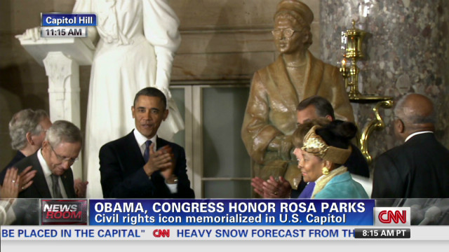 Obama unveils a statue of Rosa Parks