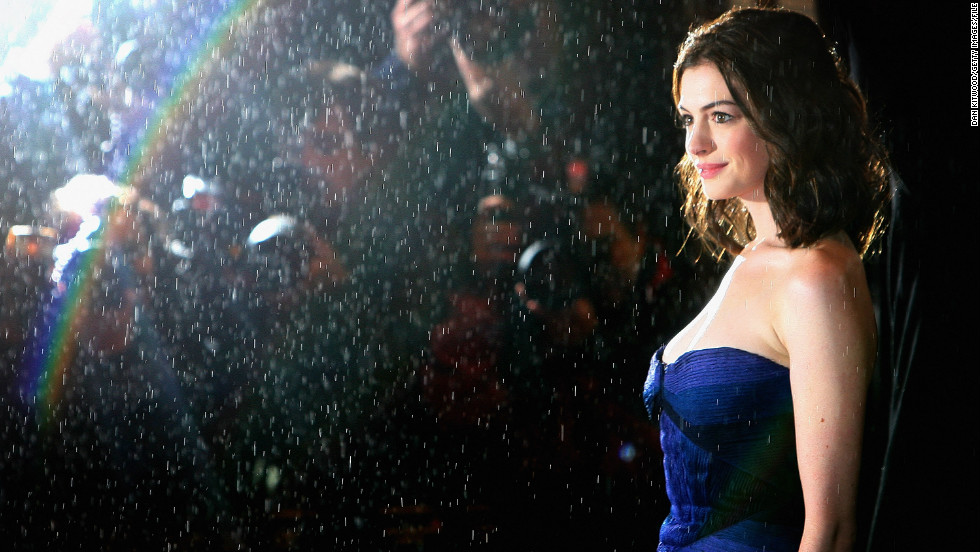 "Hathaway arrives for ""Rachel Getting Married's"" premiere at the British Film Institue's London Film Festival in October 2008."