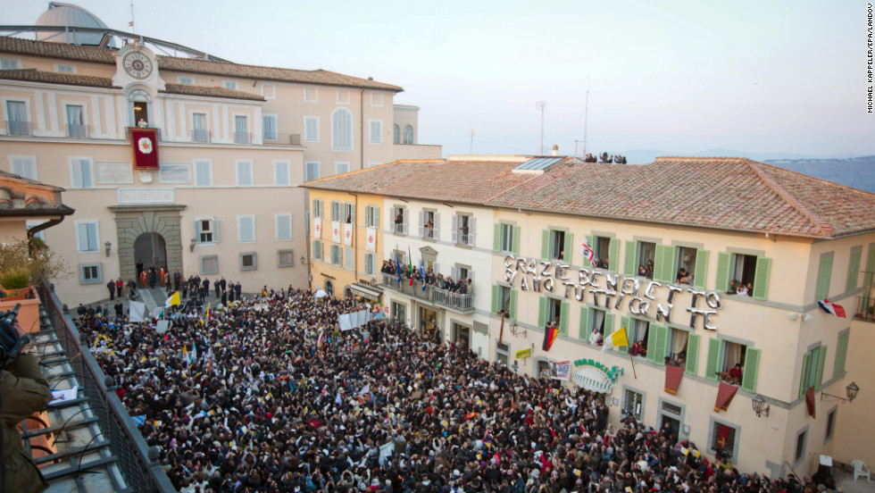A crowd packs Castel Gandolfo for Pope Benedict XVI's final appearance.