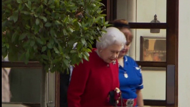 Queen Elizabeth II leaves hospital