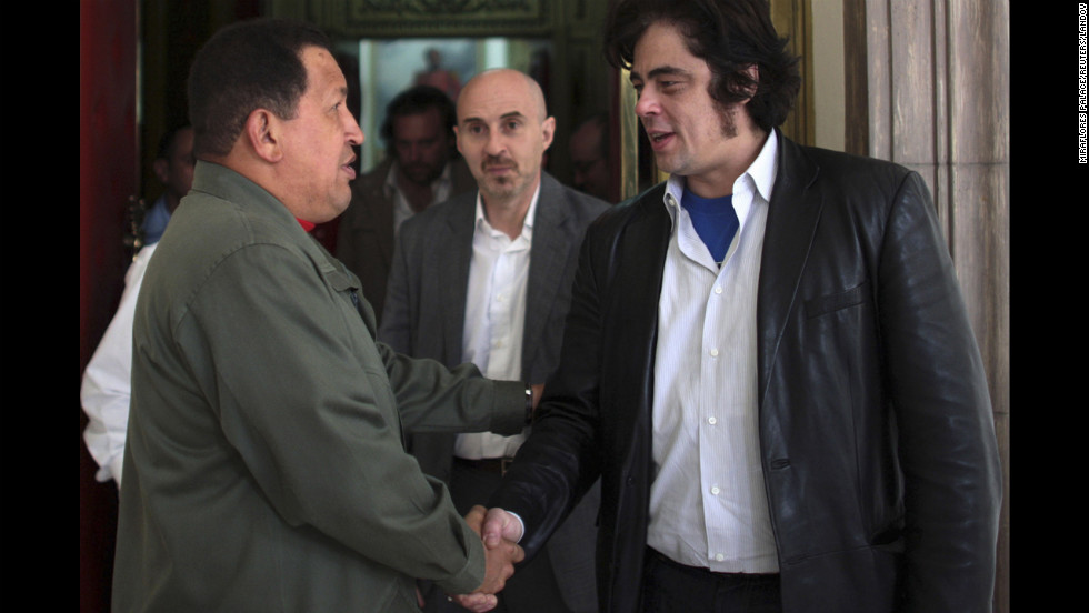 "After attending the premiere of his film ""Che,"" actor Benicio del Toro meets with Chavez at the Miraflores palace on March 4, 2009."