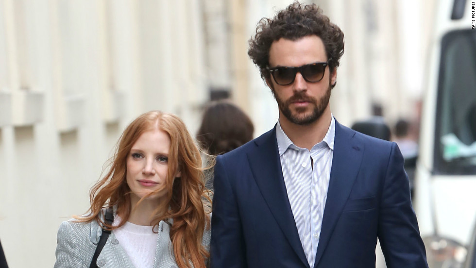 Jessica Chastain strolls in Paris, France, with her boyfriend Gian Luca Passi de Preposulo on March 6.