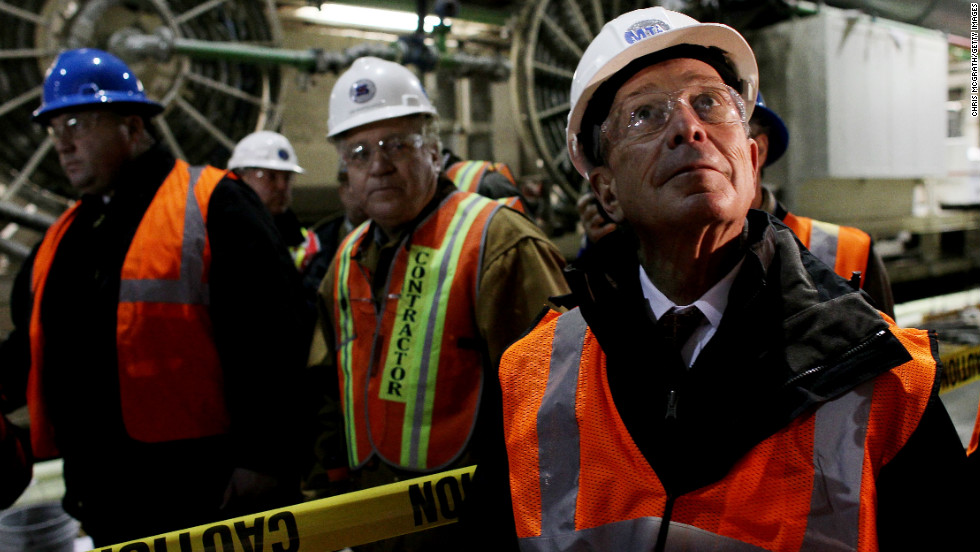 Bloomberg inspects the large cavern being constructed for the 34th Street subway station on February 2010. The new station is part of a $2.1 billion expansion project, the first subway expansion in Manhattan for decades.
