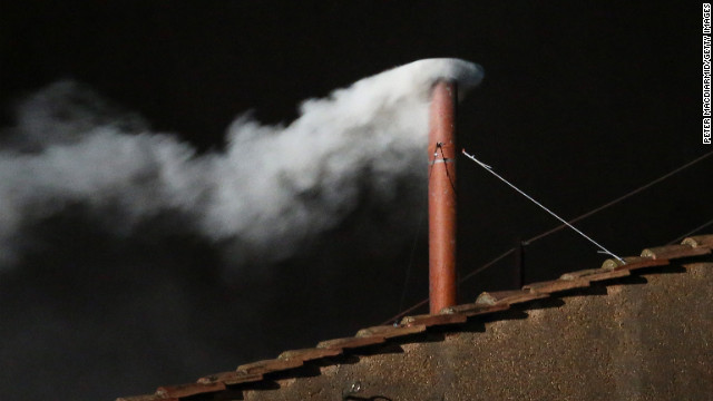 VATICAN CITY, VATICAN - MARCH 13: White smoke is seen from the roof of the Sistine Chapel indicating that the College of Cardinals have elected a new Pope on March 13, 2013 in Vatican City, Vatican. (Photo by Peter Macdiarmid/Getty Images)