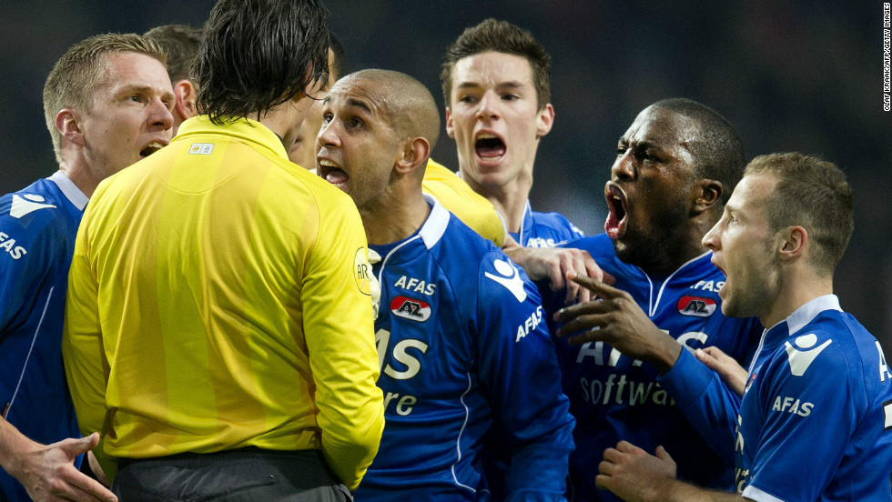 A year previously, AZ Alkmaar players angrily protested when referee Bas Nijhuis sent off the club's goalkeeper after he kicked out at a fan of opposing team Ajax who attacked him during a Dutch Cup match.