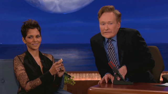 Halle Berry gives Conan a perfume lesson
