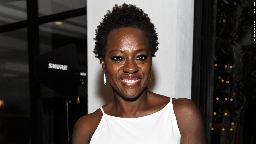 "<a href=""http://marquee.blogs.cnn.com/2012/02/27/praise-pours-in-for-viola-davis-natural-do/?iref=allsearch"" target=""_blank"">Viola Davis earned raves from style observers</a> when she arrived at the 2012 Oscars wearing her hair naturally. But the 47-year-old actress is in great company, as plenty of other Hollywood stars frequently opt to rock their hair in its natural state. Check out 20 more of our favorites:"