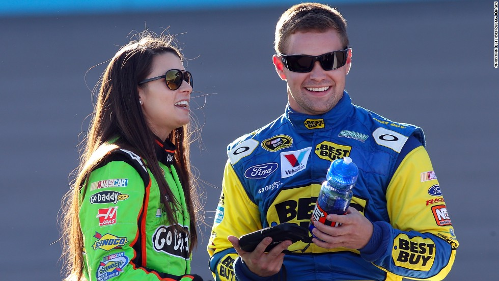 two nascar drivers dating